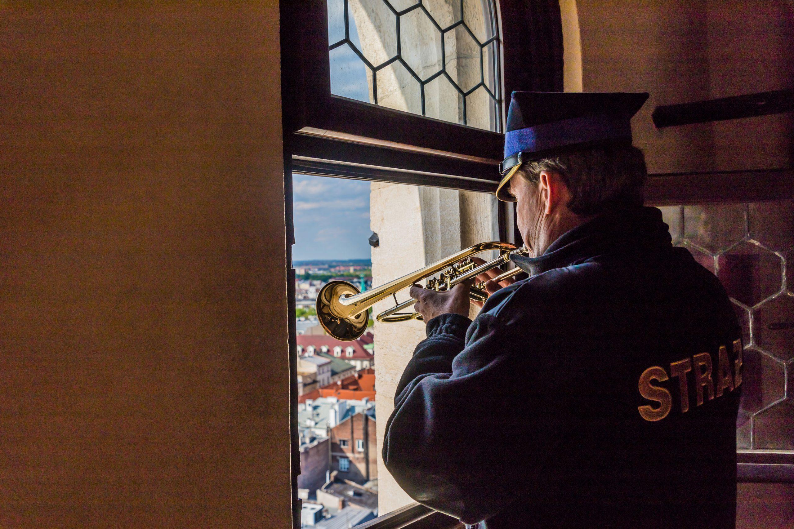 trompet hymne mariakirken krakow trompetspiller musikk